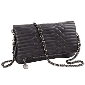 10643 Black Quilted Clutch