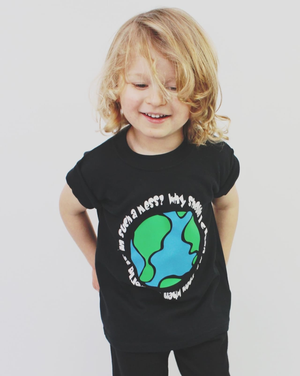Messy planet tee