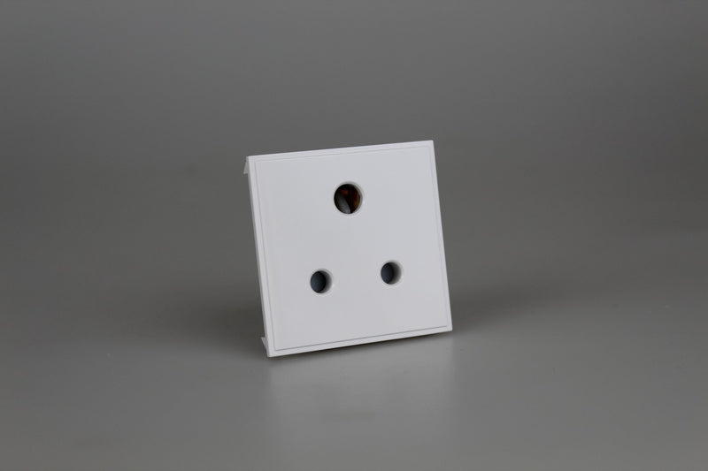 Varilight DRP5AW - 5A 3 Round Pin Socket (2 DataGrid Spaces)