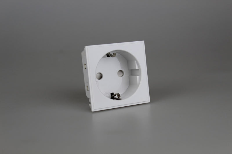 Varilight DSEUFW - 16A Euro Socket Schuko (2 DataGrid Spaces)