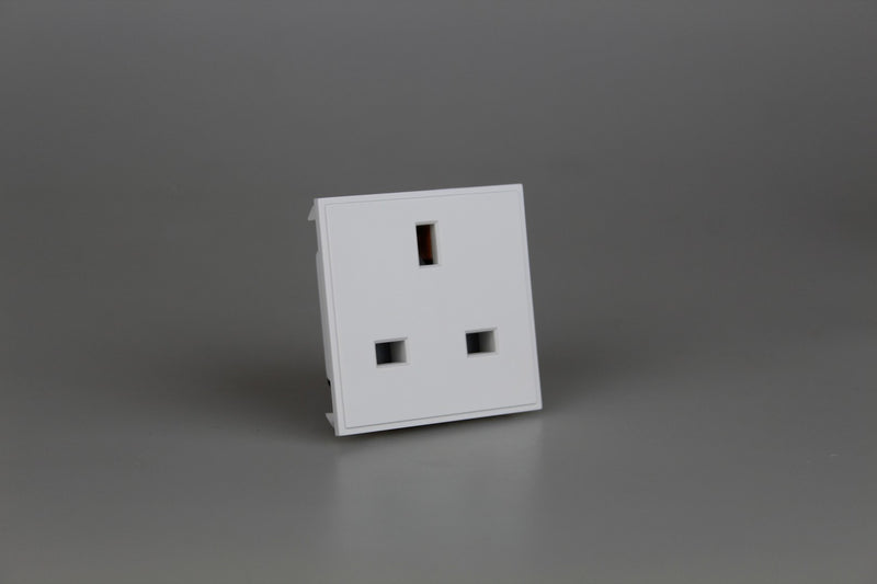 Varilight DSUKW - 13A UK Socket Unswitched (2 DataGrid Spaces)