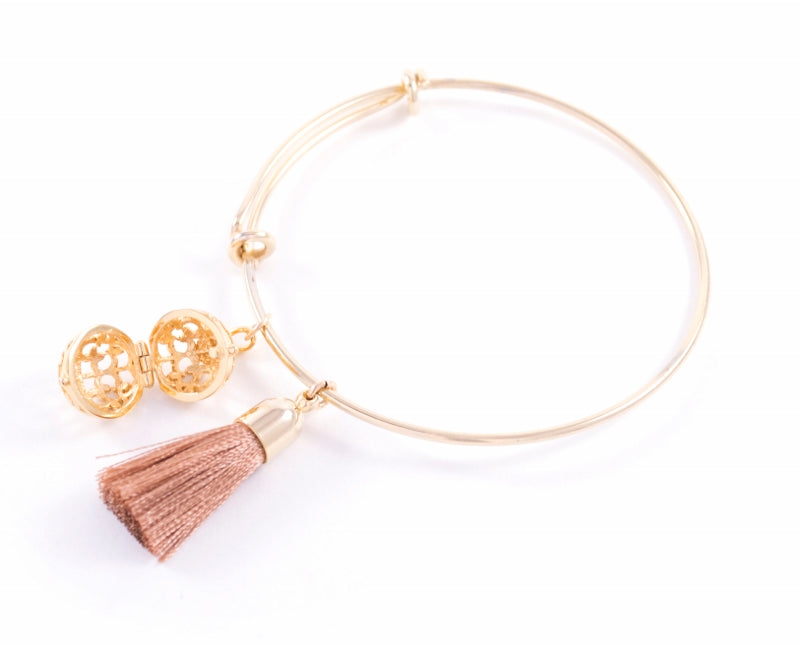 Aromatherapy Tassel Expandable Diffuser Bangle, Round Charm Pink, 18K Gold Vermeil