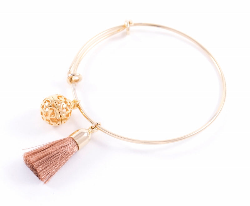 Aromatherapy Tassel Expandable Diffuser Bangle, Round Charm, White, 18K Gold Plated, One Size