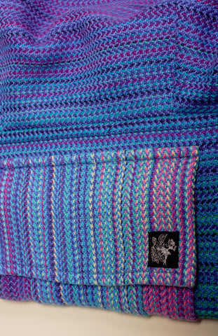 Apple Blossom Wovens + ChiciBeanz Handwoven Dreamer (bleu weft/twill weave) - Tula Signature Preschool Carrier