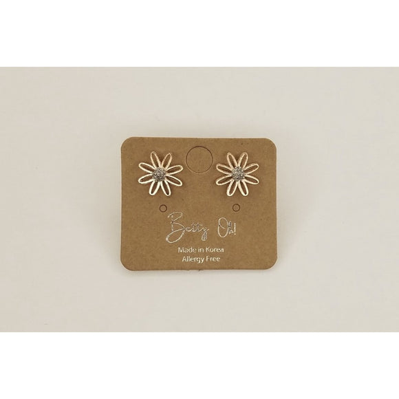 Daisy Stud - Accessories