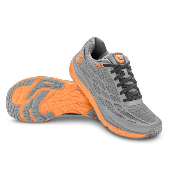 TOPO ATHLETIC Women's Magnifly 2 Grey/Peach Running Shoe (W021-GRYPCH)