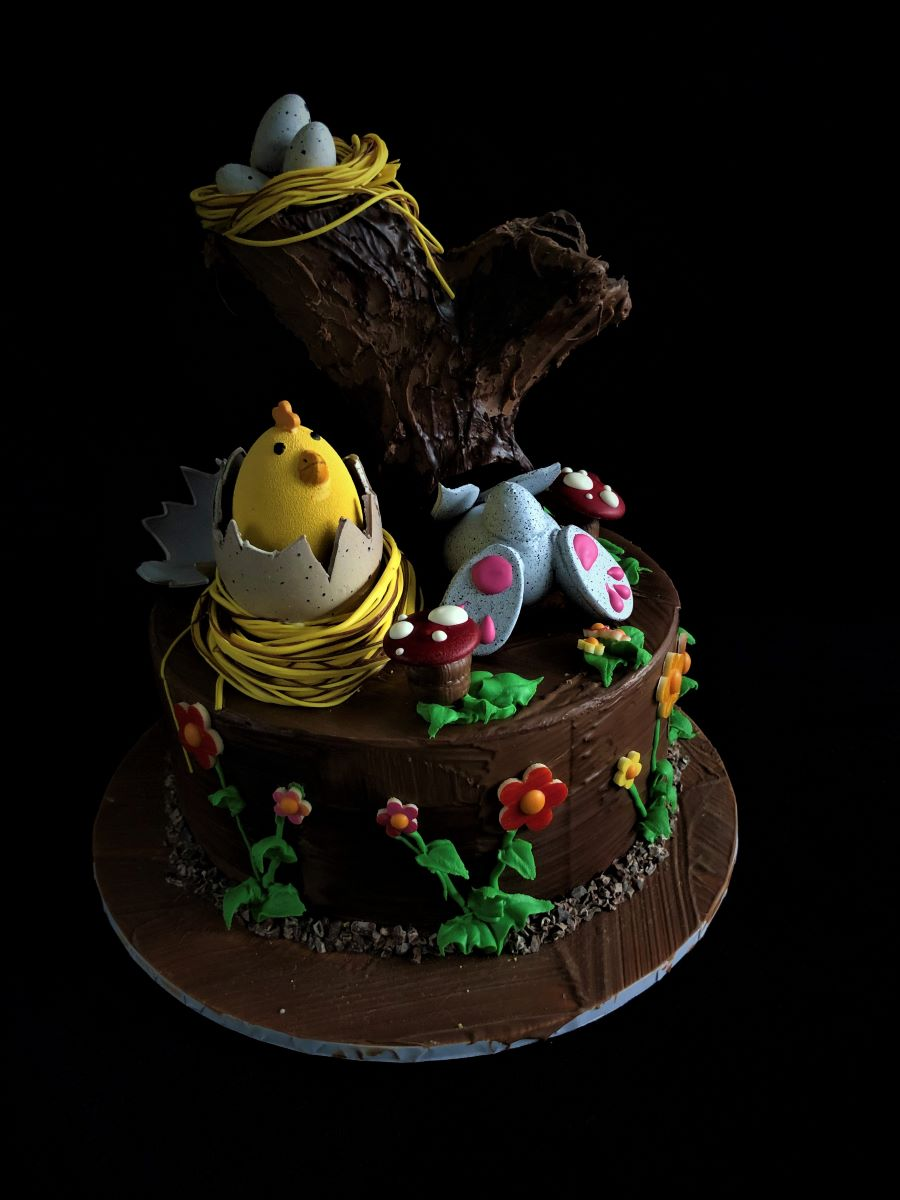 Easter Hunt Smash Cake