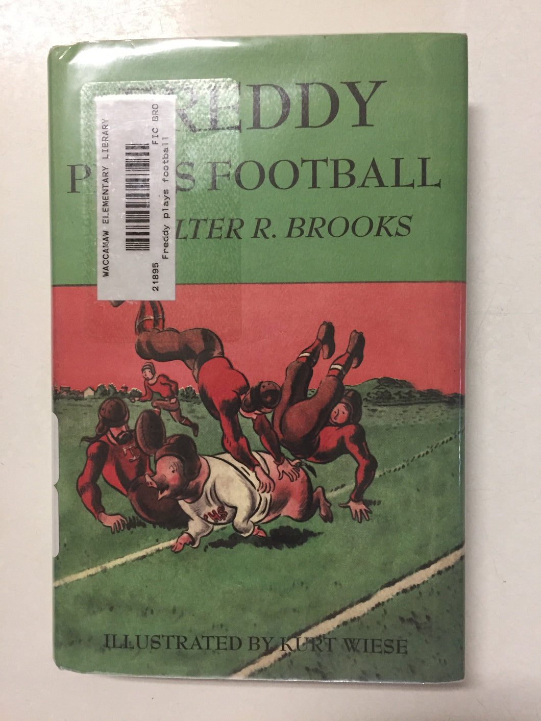 Freddy Plays Football - Slick Cat Books