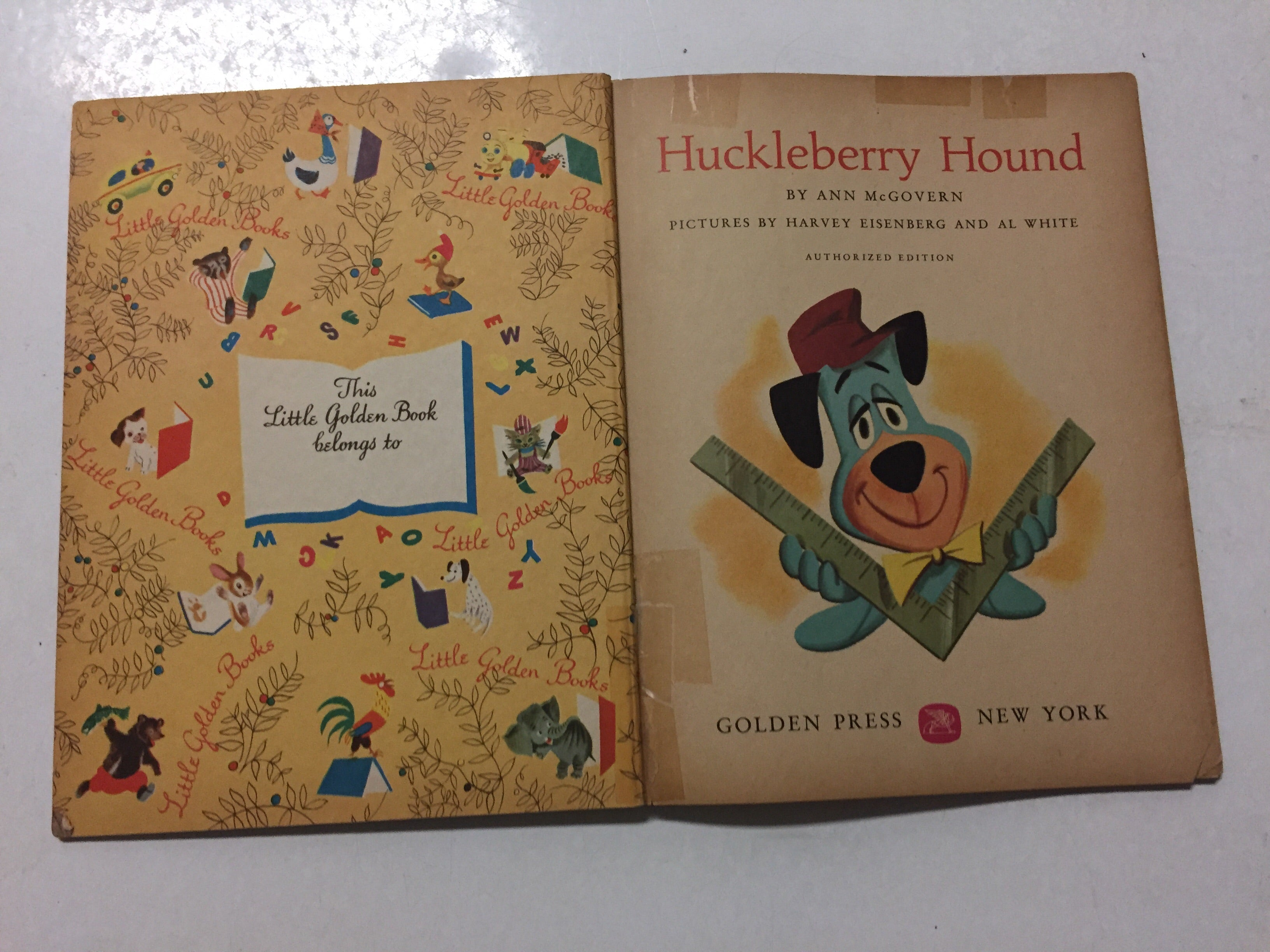Huckleberry Hound Builds a House - Slickcatbooks