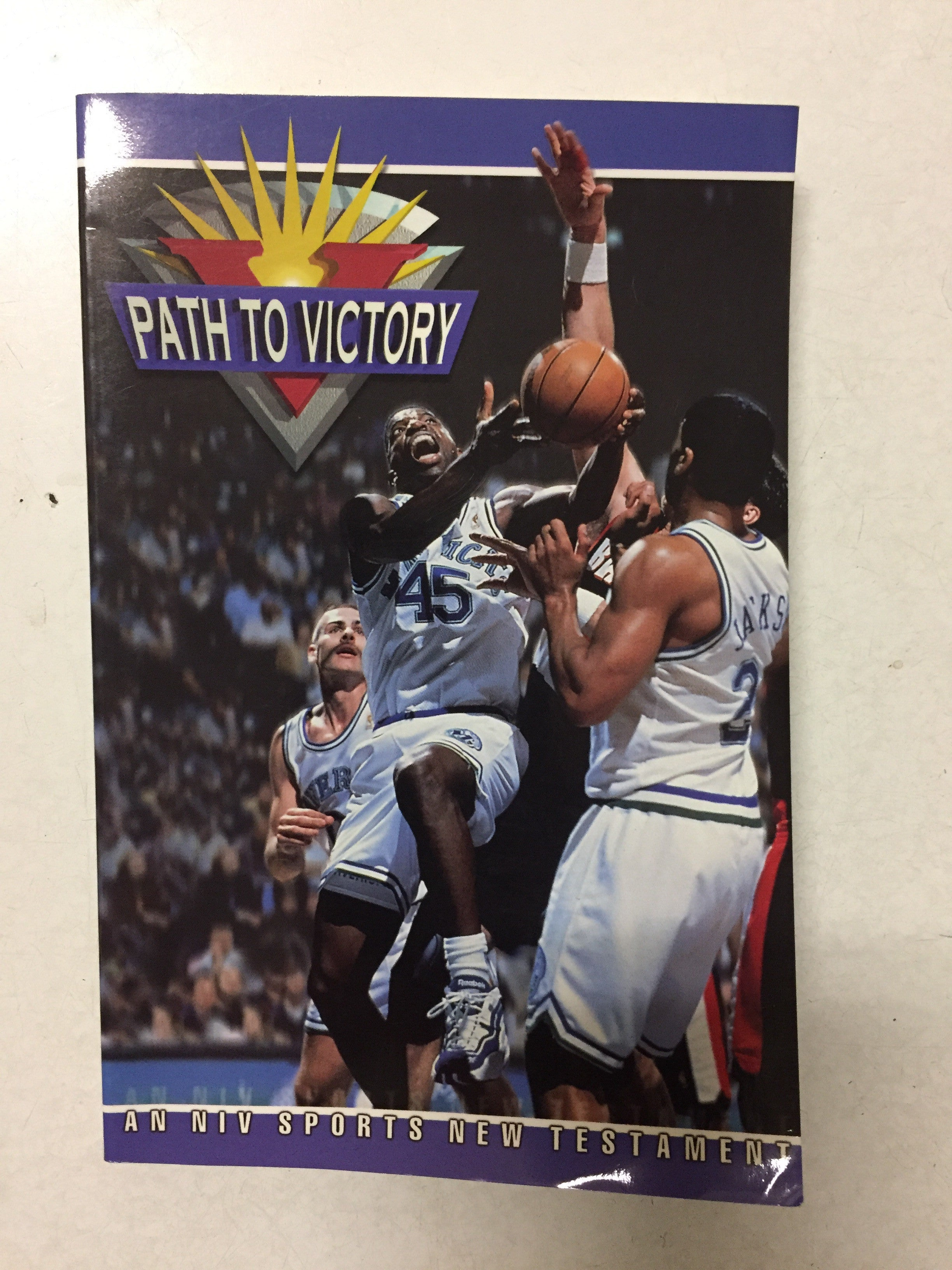Path To Victory An NIV Sports New Testament - Slickcatbooks