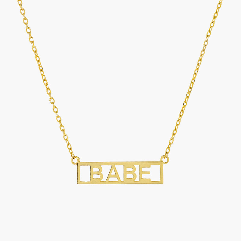 BABE PLATE NECKLACE