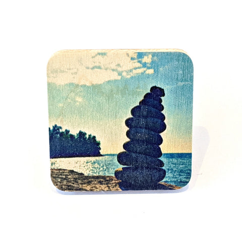 Magnet - North Shore - Cairn