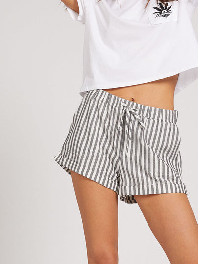 Sunday Strut Short - Stripe
