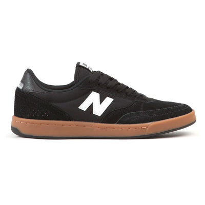 NM440 - Black/Gum