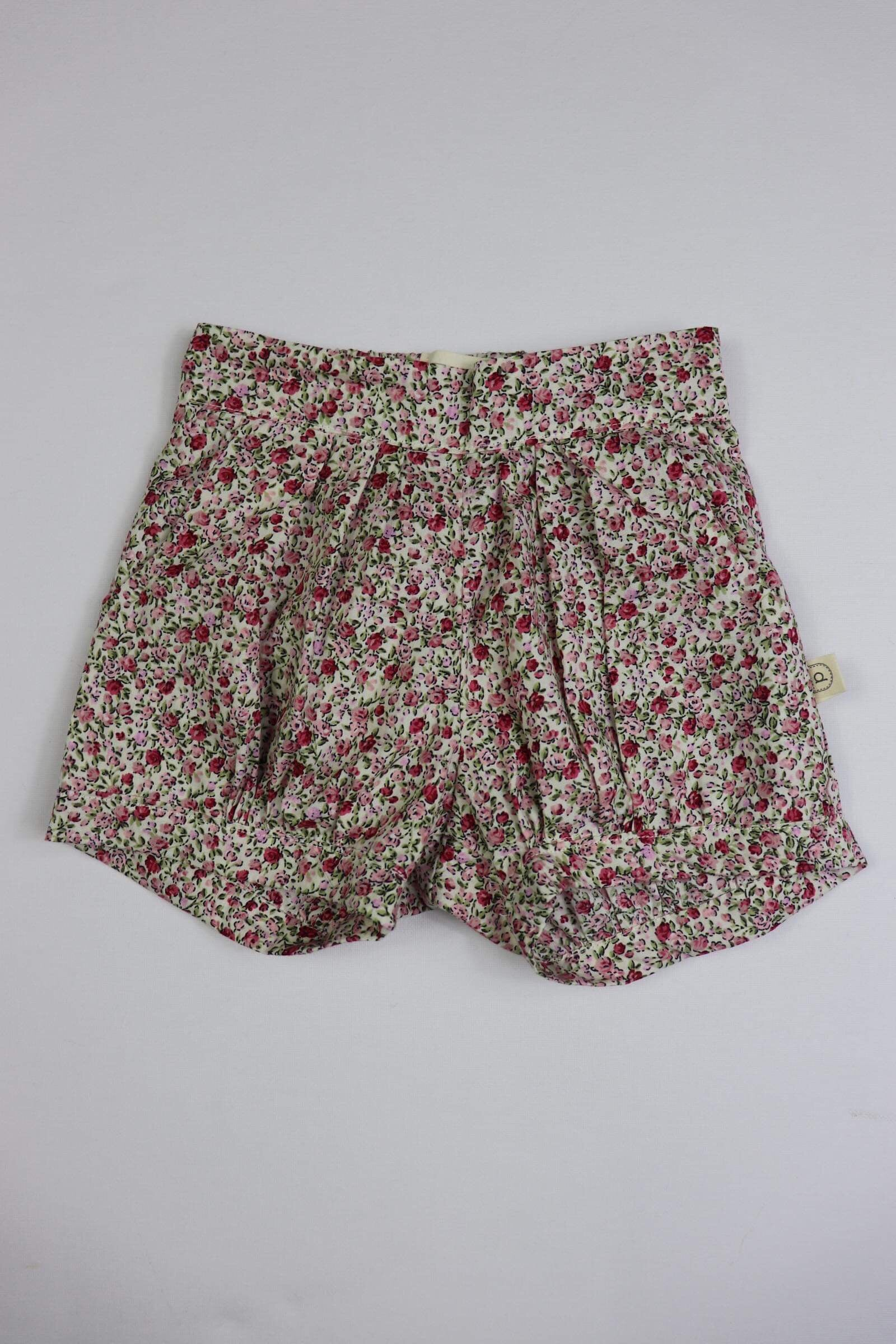 Poche Pleated Shorts - DITSY PINK