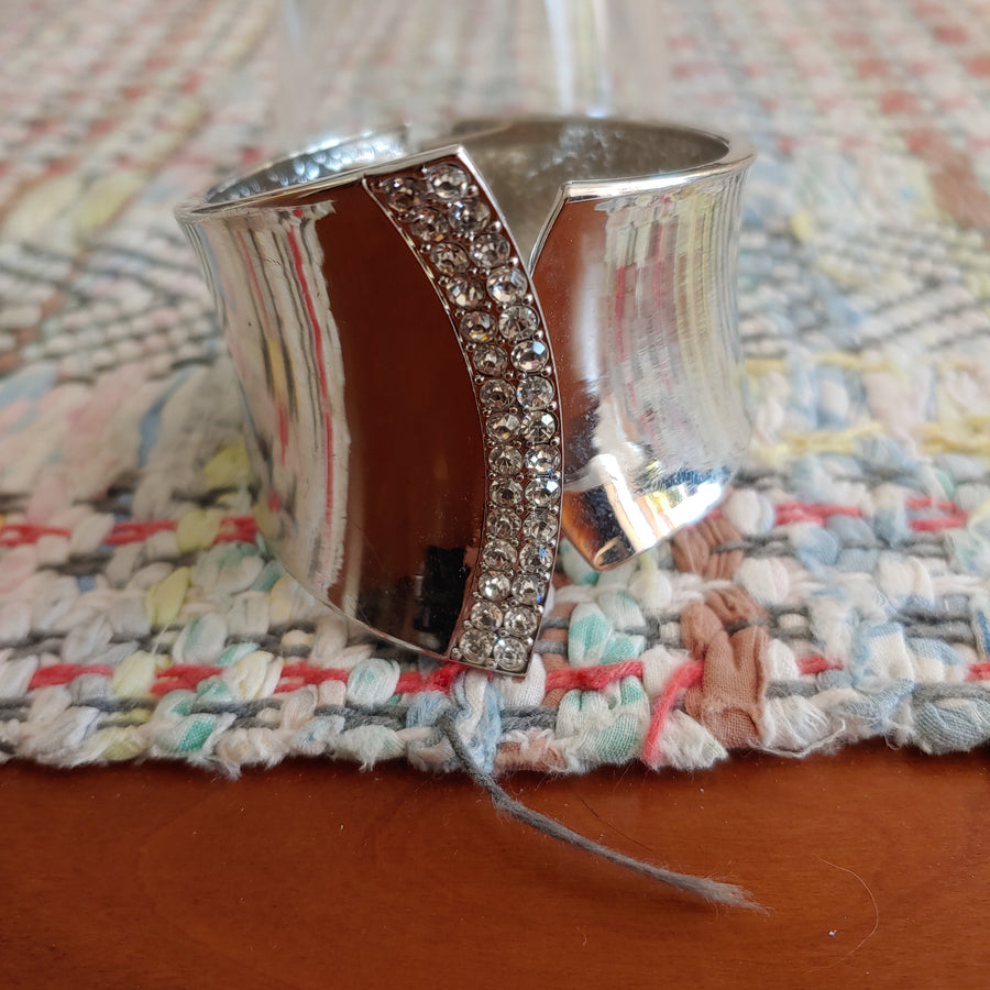 Costume jewelry clamper bracelet with rhinestones