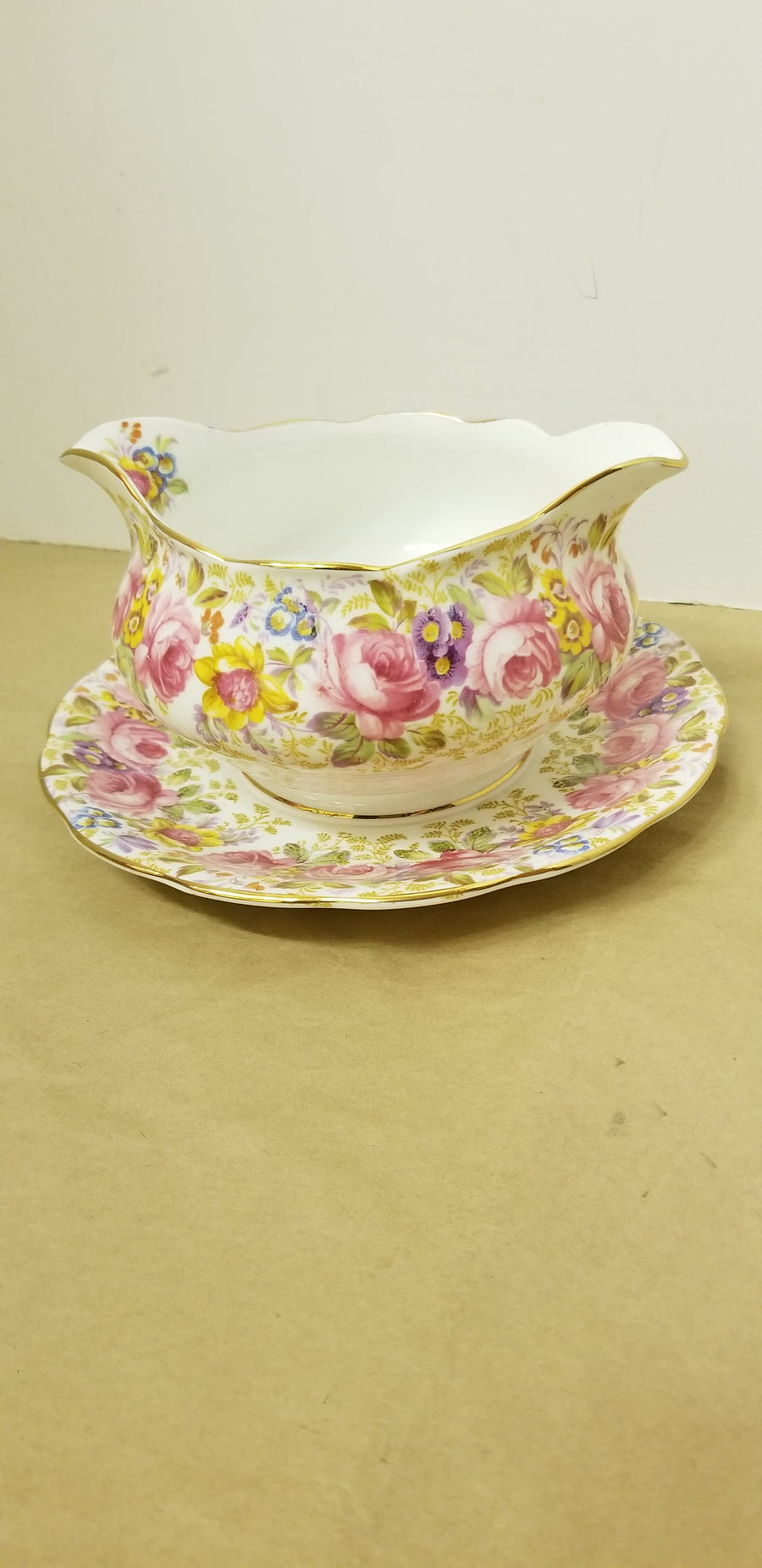 Royal Albert gravy boat, serena, chintz