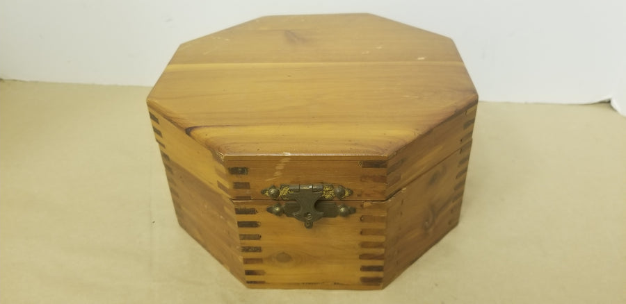 Schrafft,s octagon wood candy box