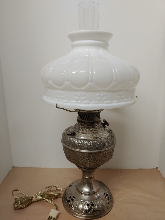 New Rochester kerosene lamp with chimney and shade, antique