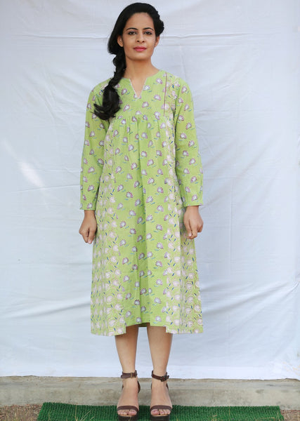 Gathered Dress with Back Yolk (Green)