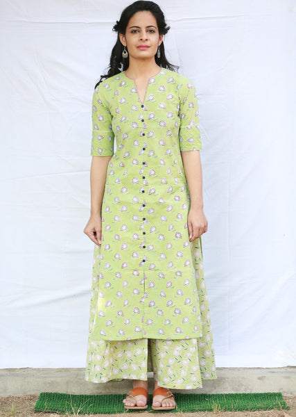 Straight Kurta with Pleated Sleeves (Green)