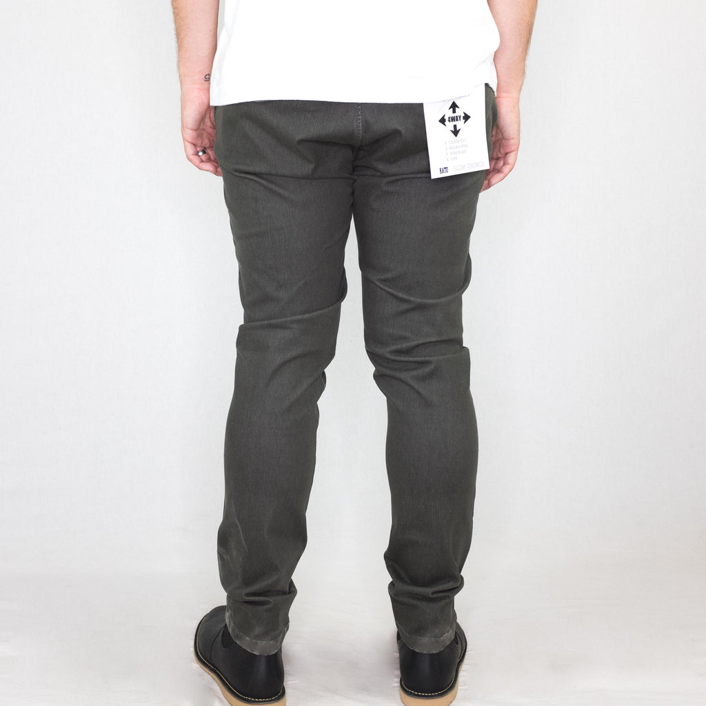 Kato - French Terry Slim Chino Military Green - Foundry Mens Goods
