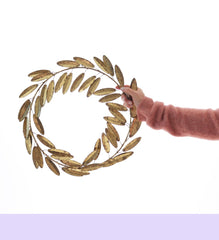 Bungalow gold wreath