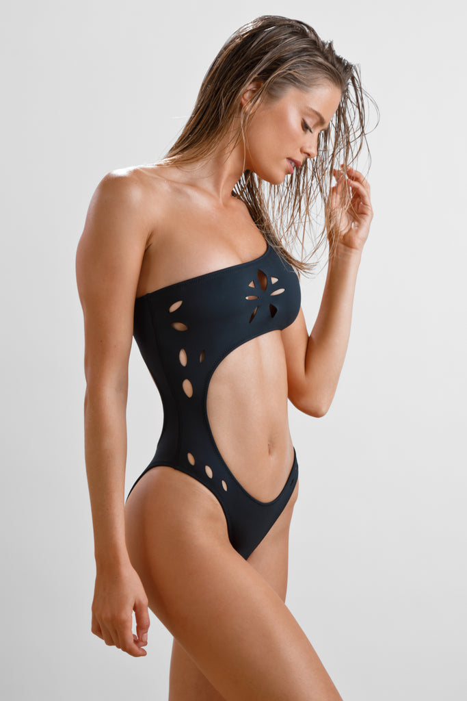 France One-Piece