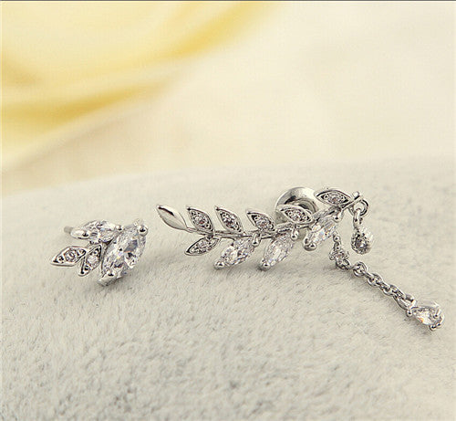 2Pcs Elegant Leaf Crystal Ear Clip On Earrings (Ear Cuff)