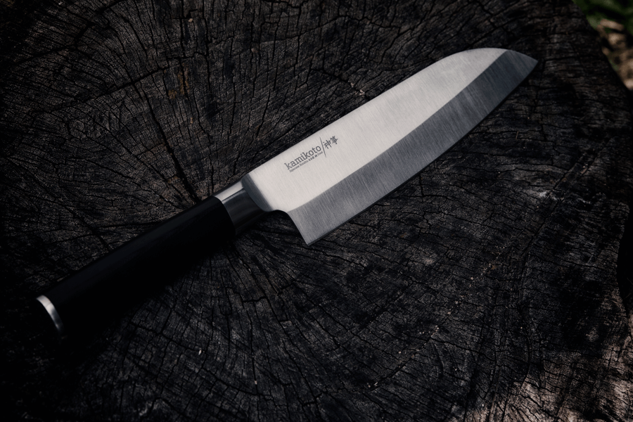 what is a santoku knife used to cut