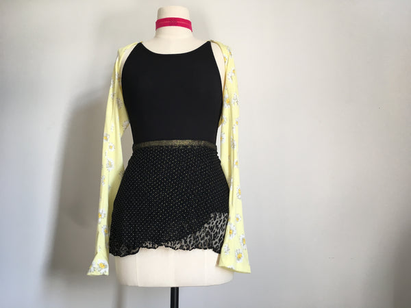 Daisies yellow dance shrug