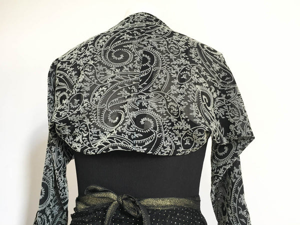La Bayadere dance shrug