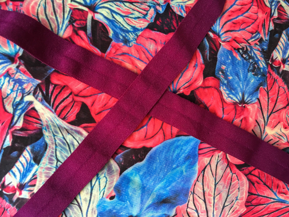 Leafs with maroon ribbon