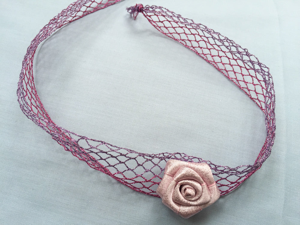 Delicate nest with Japanese flower choker