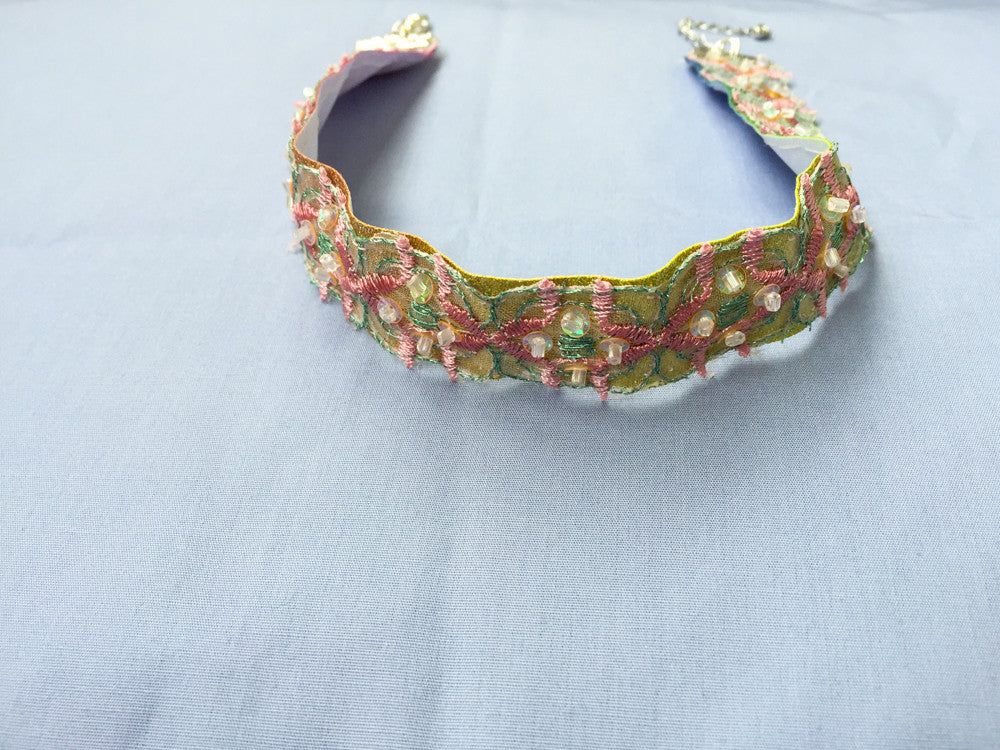 Colorful lace choker