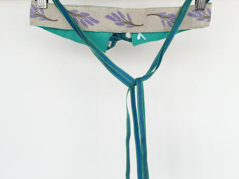 Lavender belt with green ribbons