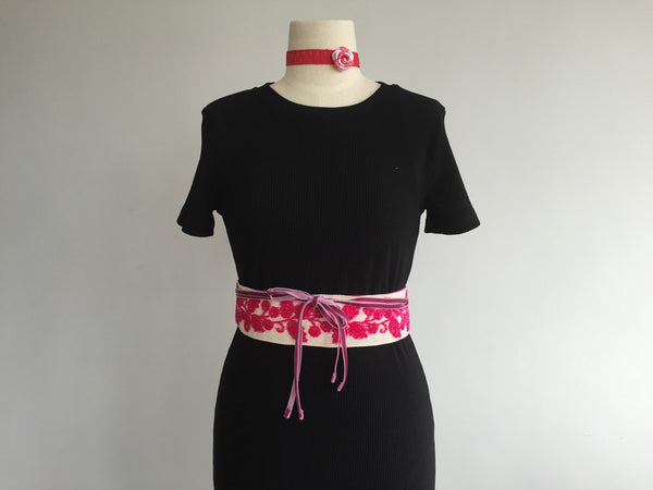 Fuchsia flowers belt