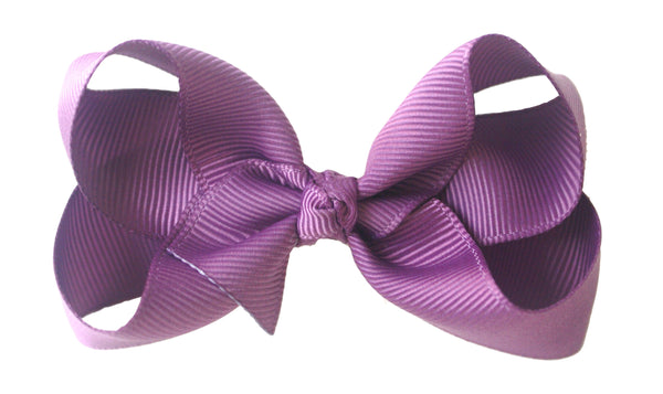 Nicollete Bow