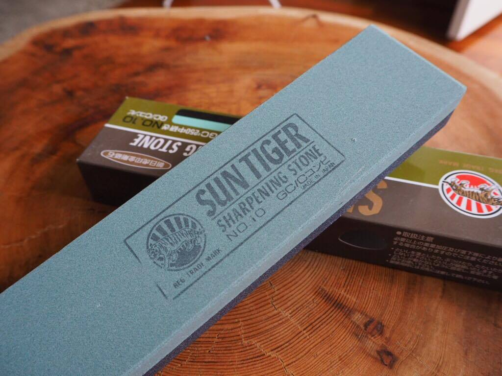 Rough Sharpening Stone - SUN TIGER GC Combi No.10 (#120/#250)-1