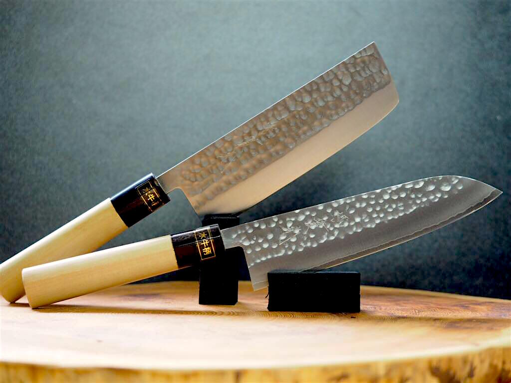 2 Knife Set: Jikko VG1 Wa-Santoku and Nakiri Hammered Finish with Magnolia & Buffalo Horn Handle