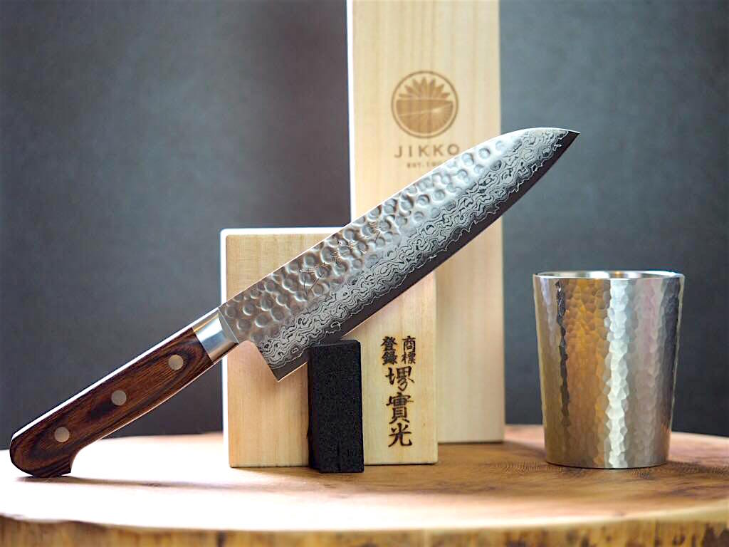 Gift Set: Mille-Feuille Hammered Damascus Santoku 18cm & Tin Beer Tumbler