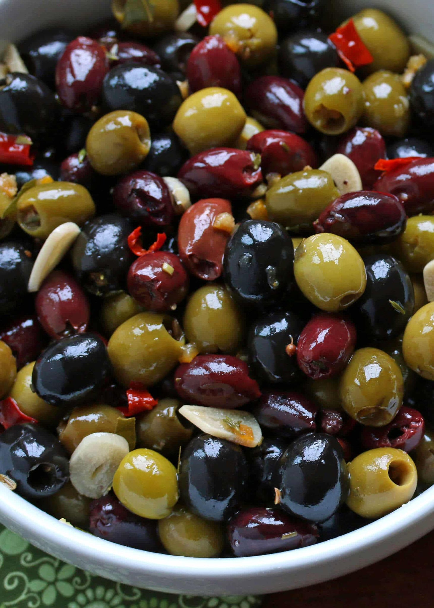 Kalamata Olives in Blueberry Dressing 375ml