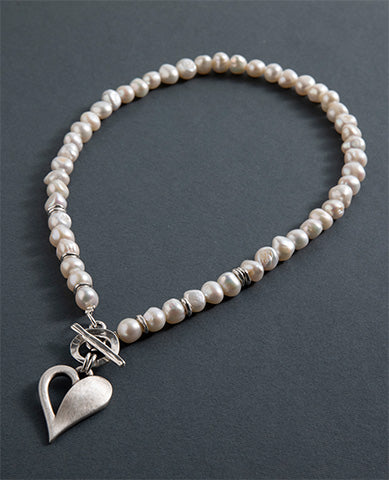 Simply You Pearl necklace
