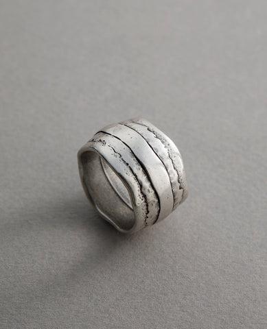 Silhouette Ring Silver
