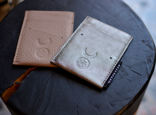 Minimalist Card Holder/Wallet (Material: Leather) - Bazerdzan
