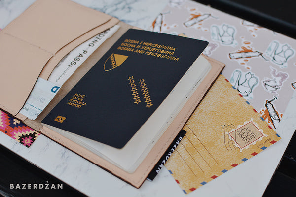 Men's Passport Case (Material: Leather)
