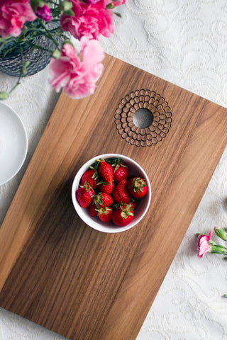 Cutting board - Flowy (Material: Walnut)