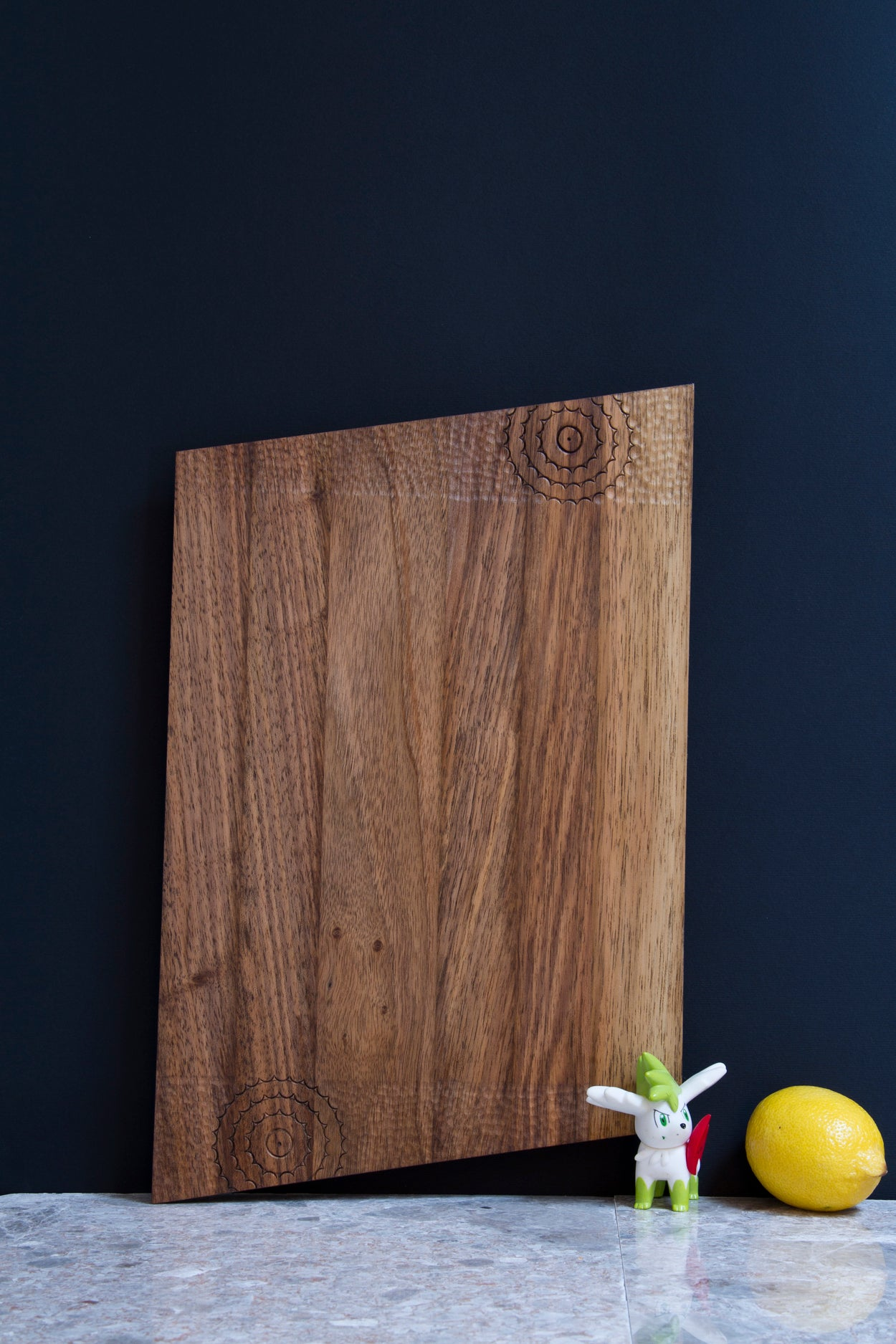 Cutting board - Sea Star (Material: Walnut) - Bazerdzan