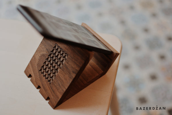 Wooden hand-carved mobile phone stand
