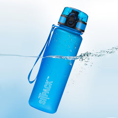 Blue sitpack festival water bottle suspended in water